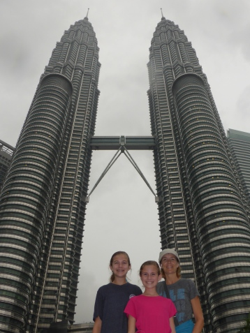 Suria KLCC mall is the 5th Avenue of the Petronas Twin Towers